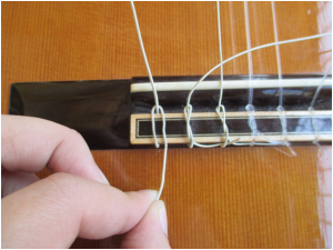 Pic. 3 - Looping the String
